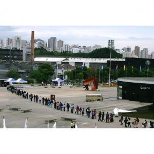 Latinoamericanos cadastro São-Paulo-13092009-foto---Antonio-Scarpinetti---IMG 1563x